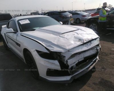 Salvage White 2017 Ford Mustang