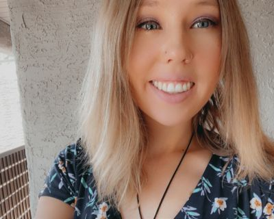 Amelia S is looking for a New Roommate in Phoenix with a budget of $800.00