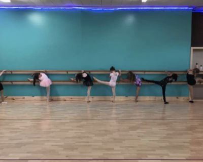 Large Centrally Located Dance Studio Room Event Space with Hardwood Floors, Wyandotte, MI