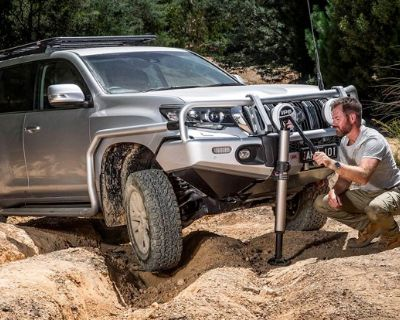 Make Jeep recovery easy with new ARB Hydraulic Long Travel Recovery Jack