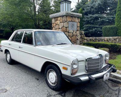 1976 Mercedes-Benz 230-Class Sedan