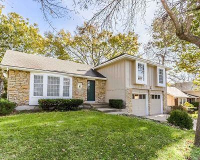 The whole 3 bedrooms/3 baths single family house in Overland Park with sauna! - Kansas City
