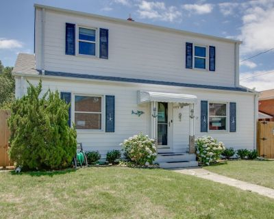 4 Bedroom 5 minute Walk to the Beach! Beautiful Willoughby Beach Home! - Willoughby Spit