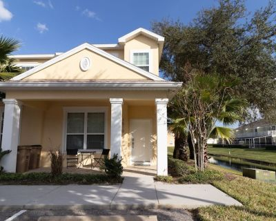 Upgraded townhome with private plunge pool. 3 Bedrooms, 2 Bathrooms - Four Corners