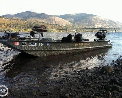 2010 18' Gator Trax Hyper Sport Duck Boat