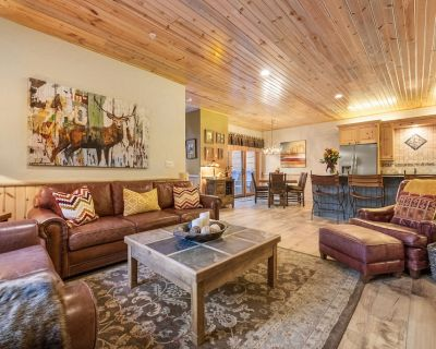 33 mins. From SLC Airport. Walk to Canyons cabriolet! Luxury cabin in woods! - Park City