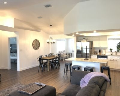 Beautiful completely remodeled home across the street from Lake June! - Placid Lakes