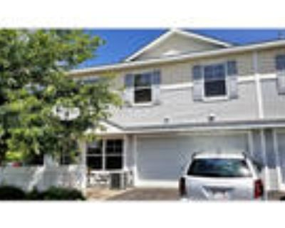 3 Bed/ 3 Bath Townhome in River Falls - Aug 5th