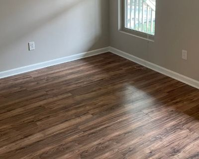 Private room with shared bathroom - Duluth , GA 30096