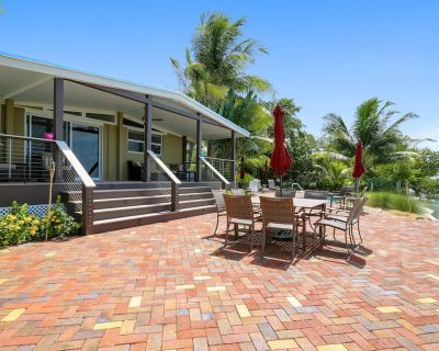 Spectacular, oceanfront, dog-friendly home w/ private pool & boat docks - Bay Point