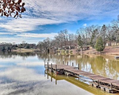 NEW! Relaxing Waterfront Escape w/Dock + Fire Pit! - Iva