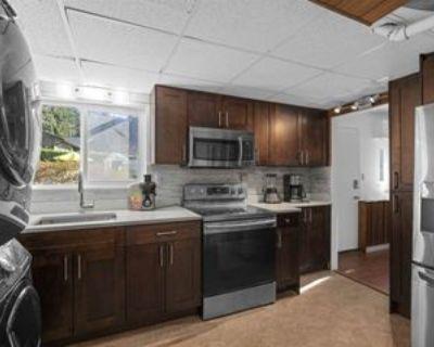 90 Stevens Drive #basement, West Vancouver, BC V7S 1C2 Studio