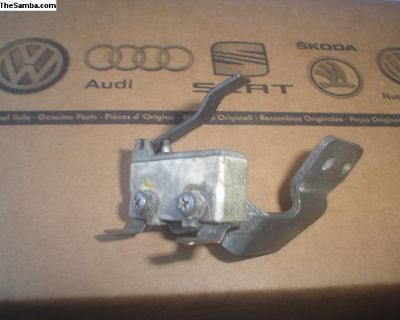 Throtle position or Brake light switch