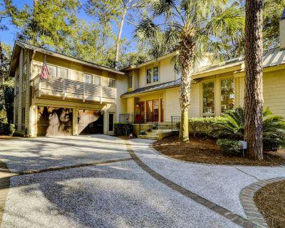 11 Bald Eagle Rd~ Beautiful 2nd Row Ocean 6 Bedroom Sea Pines Home With Pool - Sea Pines