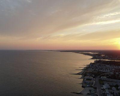 Beautiful 3BR Cape Cod Cottage, Private Beach, Ocean Views, Award Winning Locale - Dennis Port