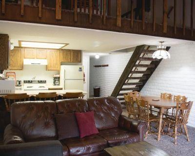 Roomy Ski-in/ski-out Condo Next to Lodge in Eagle Point Ski Resort - Beaver