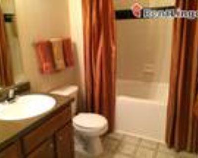1 bedroom 143 N Jackson St