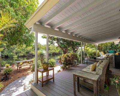 New Listing! SALIDA DEL SOL, Key West Luxury & Convenience, Rare Waterfront Access, Bring Your Boat! - New Town