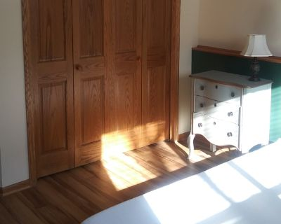 Private room with own bathroom - Woodbury , MN 55125
