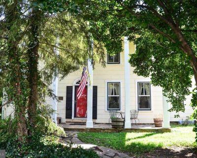 HISTORIC HERNDON HOME FOR SALE -  637 Oak St Herndon, VA 20170