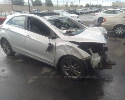 Salvage White 2016 Hyundai Elantra Gt