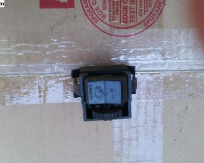 Super Beetle Headlight Switch 1973-79 Small Term.
