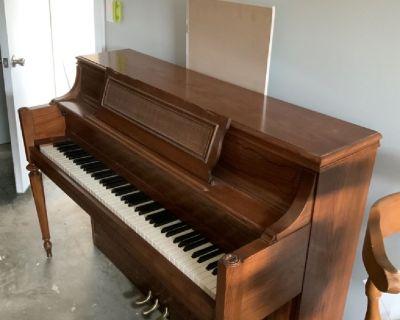 Yamaha upright acoustic piano