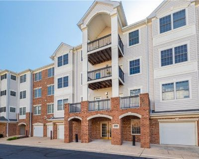 Upgraded top floor 2 bed 2 bath condo backing to woods! (MLS# VALO2003164) By Mike Lefevere