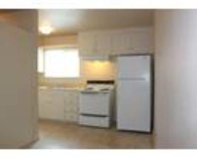 Carmichael Apartments - 2 Bed 1 Bath (Large)