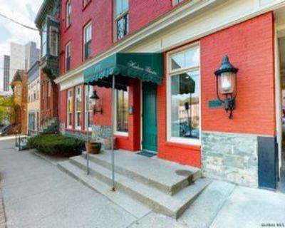 270 Hudson Ave #5G, Albany, NY 12210 2 Bedroom Apartment