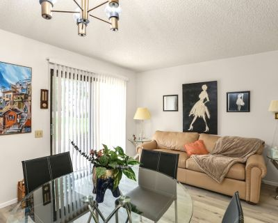 2 Bed 2 Bath Two Story Condo - Cathedral City