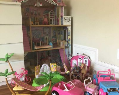 Barbie Dream House and Extras Lot
