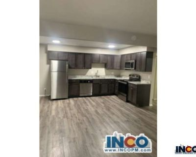 Newly Remodeled! Comfortable 1 bedroom 1 bath apartment. 1945 S. Depew