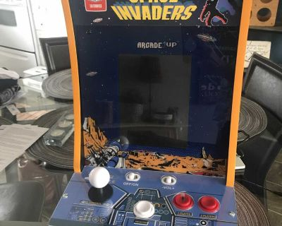Space Invaders Arcade - countertop game
