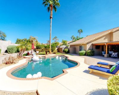 Dog-friendly desert getaway w/ a private pool, pool spa, central A/C, free WiFi - Paradise Valley Village