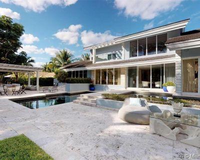 700 Lake Rd Miami FL 33137