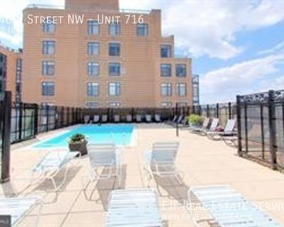 Logan Circle Studio With Custom Kitchen, Amazing Roof Deck, Pool, Front Desk, & More!