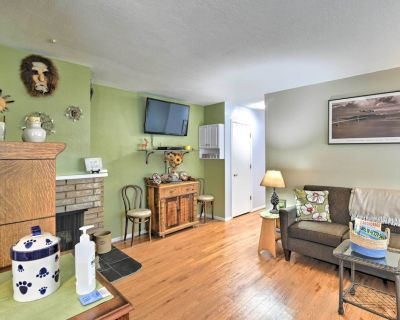 NEW! Charming Anchorage Townhouse w/ Gas Grill! - Russian Jack Park