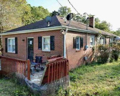 2 Bed 1.0 Bath Foreclosure Property in Easley, SC 29640 - W Hamilton St