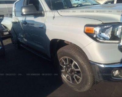 Salvage Gray 2019 Toyota Tundra 4wd