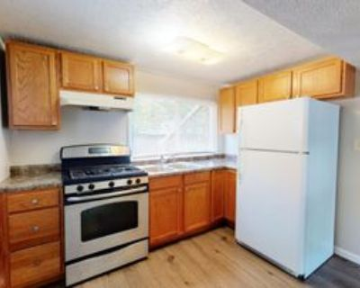 416 East Cordelia Street #Lower, Southern View, IL 62703 1 Bedroom Apartment