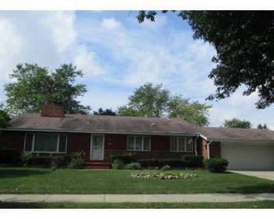 3 Bed 3 Bath Preforeclosure Property in Milwaukee, WI 53212 - N 5th St