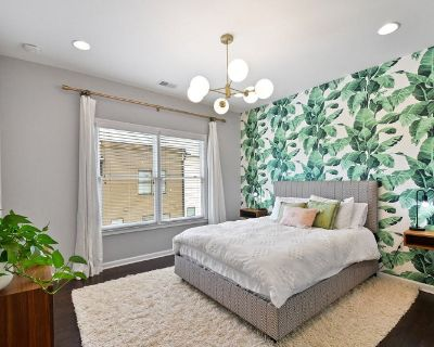 Furnished 1 bedroom w/ private bathroom, tv, queen