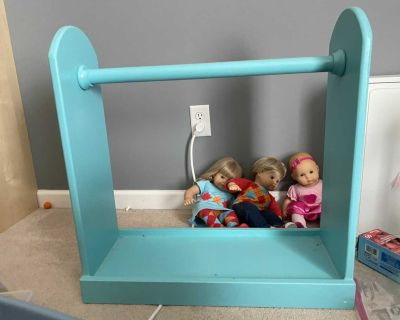 Wood doll clothes rack $10 pick up in Spring Hill.