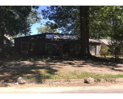 2 Bath Preforeclosure Property in Little Rock, AR 72209 - Canna Rd