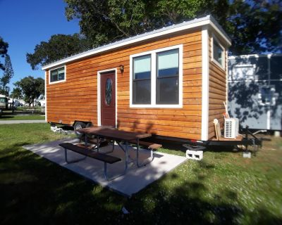 New Tiny House - INTRODUCTORY PRICE minutes from Sanibel and Fort Myers Beach! - Iona