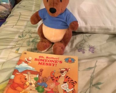 Winnie Pooh: Oh, Bother! Someone s Messy! Book & 11 Roo Plush combo