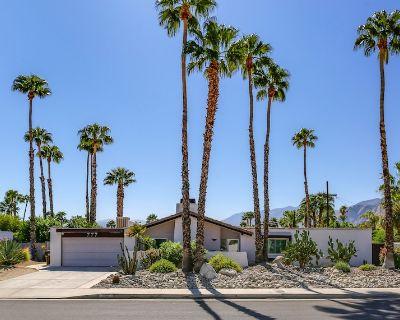 Twenty One Palms - Newly Renovated Palm Spring Three Bedroom - Racquet Club Estates