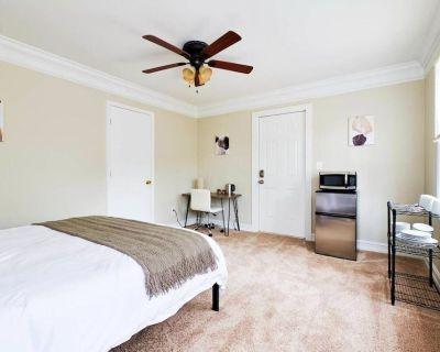 Vrbo Property - Candler-McAfee