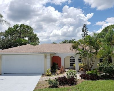 **NEW LISTING**Walk/Bike to the beach from your private oasis - Bonita Springs